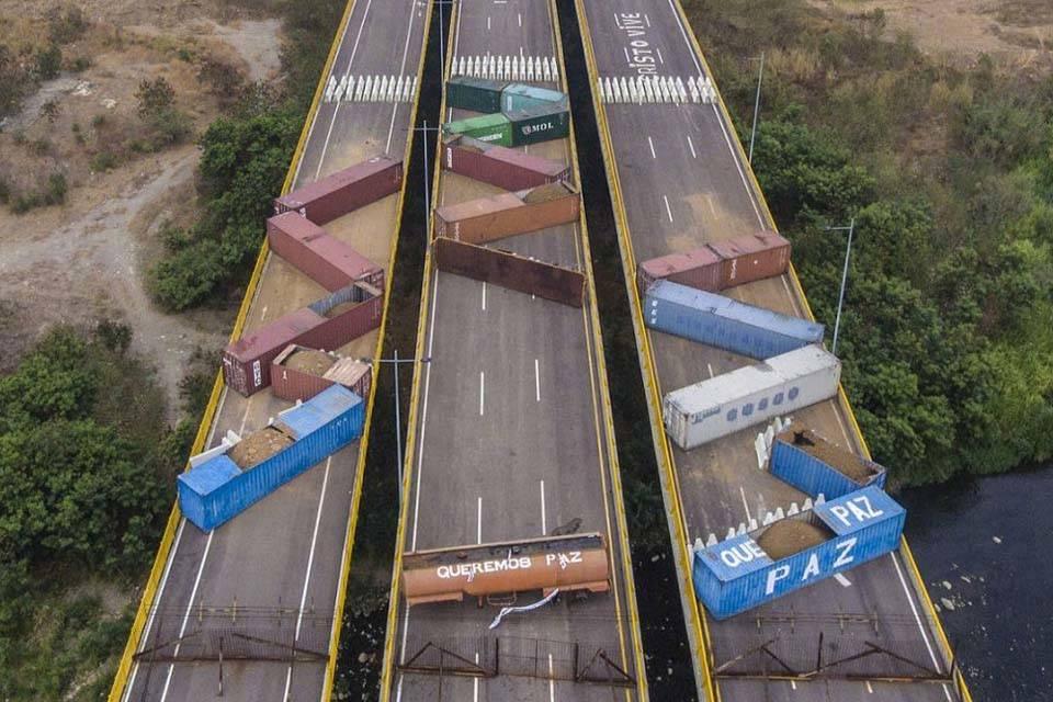 Puente Tienditas bloqueado