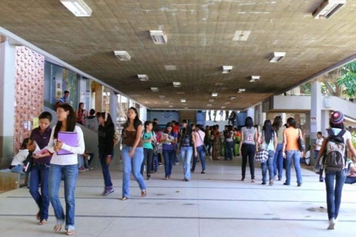 Universidad: dignidad contra chantaje, por Julián Martínez