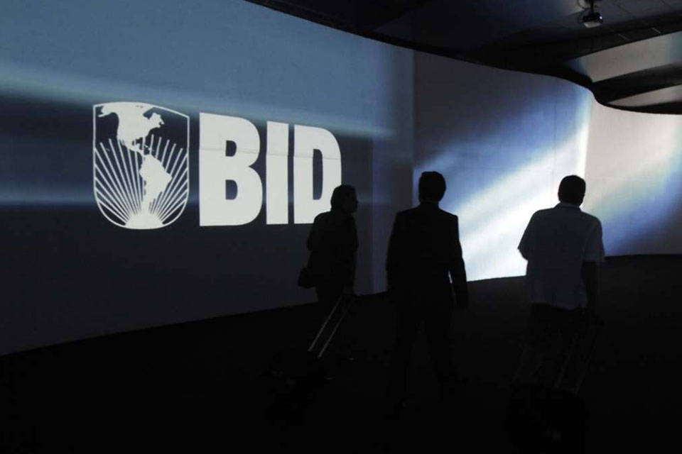 EEUU no acudirá a reunión del BID si se niega entrada a representante de Guaidó