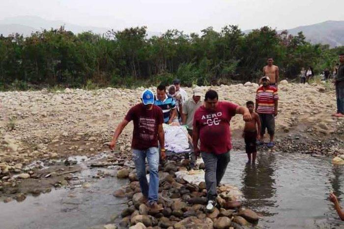 Gobierno autoriza paso en puentes fronterizos con Colombia pero el drama humano sigue