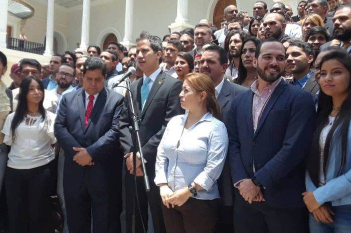 La política transicional, por Simón García