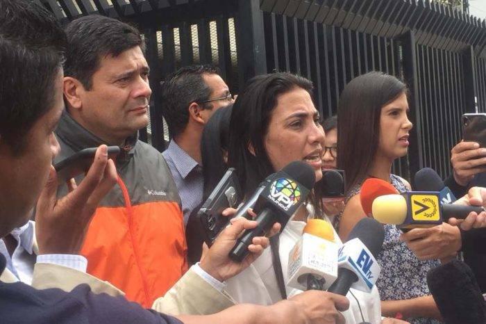 """Adriana Pichardo asegura que detención de Caro es para involucrarlo en un """"plan macabro"""""""