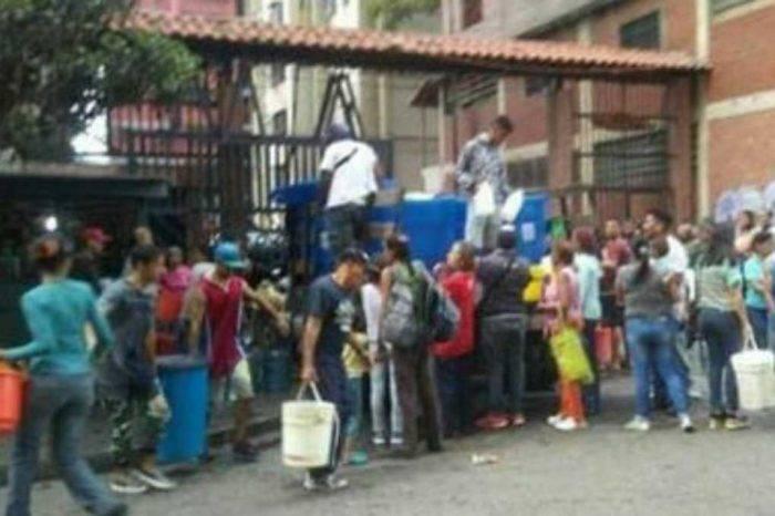 En el suroeste de Caracas dicen que los apagones recrudecen la falta de agua