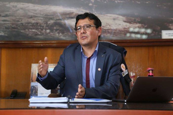 """Fiscalía de Perú investiga a alcalde que planteó ciudad """"libre de venezolanos"""""""