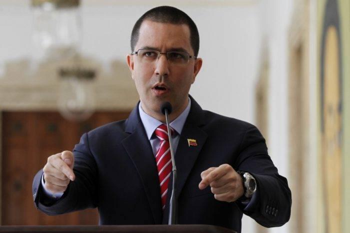 """Según Arreaza, la oposición venezolana """"no cree en el diálogo ni en la democracia"""""""
