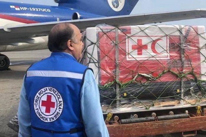 Cruz Roja descarga primer lote de ayuda humanitaria en Maiquetía