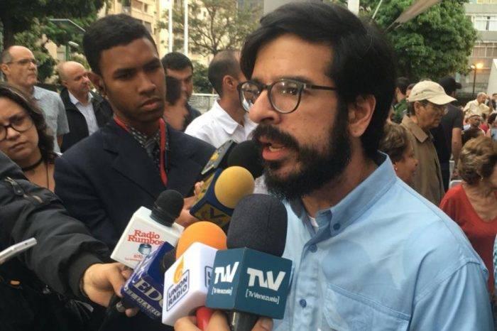 Pizarro afirma que diputados no se rendirán ante sentencias del TSJ
