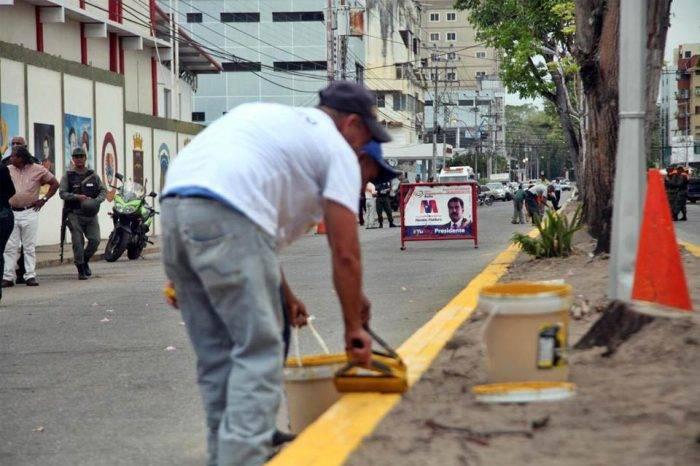 Maduro ordenó arremeter contra alcaldes opositores que no barran y pinten las calles