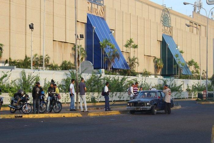 Alcalde de Maracaibo asegura que centro comercial Galerías Mall seguirá abierto