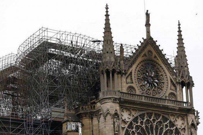 Catedral de Notre Dame celebra su primera misa tras dos meses del incendio