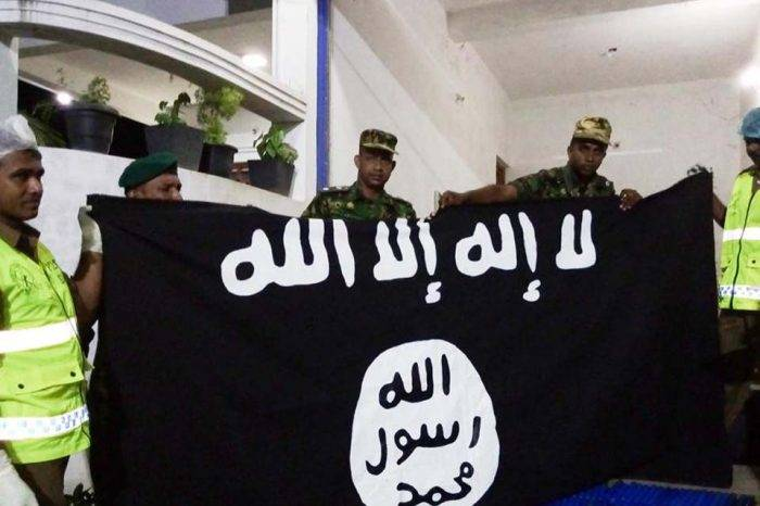 Sri Lanka redada tras atentado