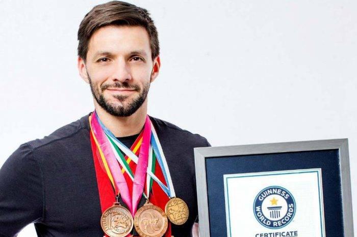 Karateca Antonio Díaz alcanza Récord Guinness de medallas mundiales