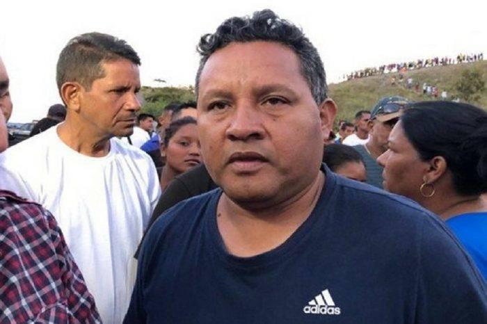 Gobernador de Bolívar destituye al alcalde del municipio Gran Sabana