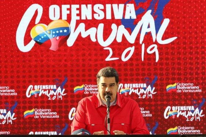 La improvisación de Maduro impulsa debate para definir qué hacer con las comunas
