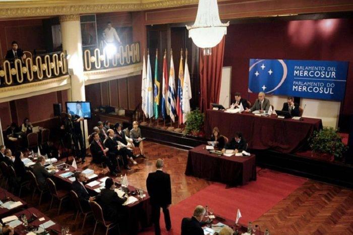 AN pedirá al Parlasur reconocer títulos académicos venezolanos sin apostillar
