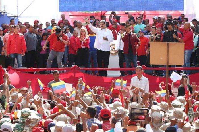 Maduro pide adelantar las elecciones para diputados a la Asamblea Nacional