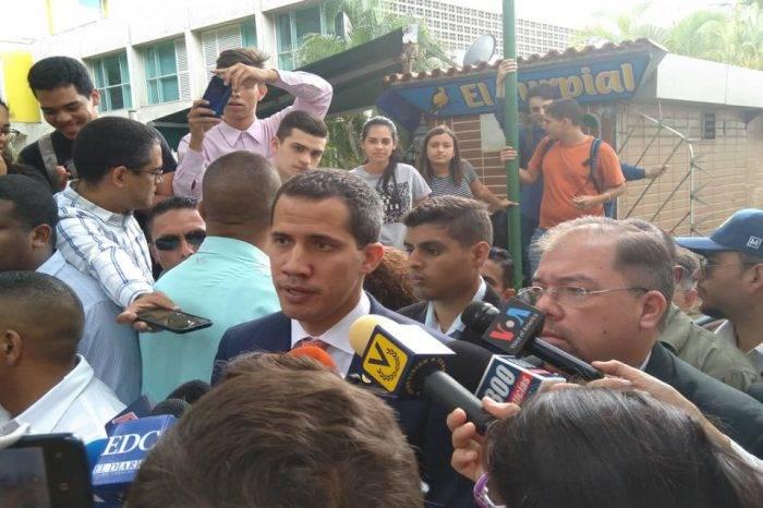 Guaidó critica inversiones al sector militar tras muerte de niño en espera de trasplante