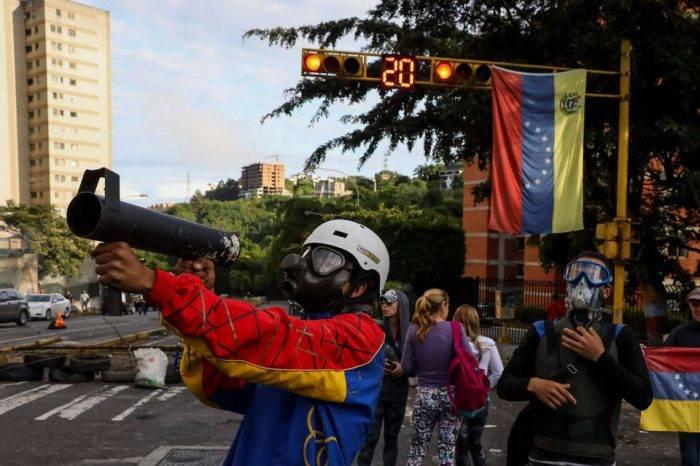 Desbloquear la salida pacífica, por Gregorio Salazar