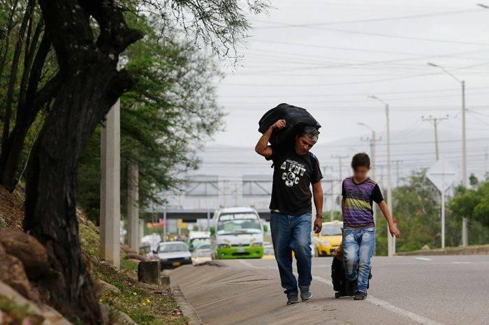 Con la patria a cuestas, por Gioconda Cunto de San Blas