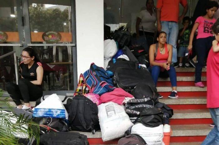 Militares venezolanos son desalojados de hotel donde estaban hospedados en Cúcuta
