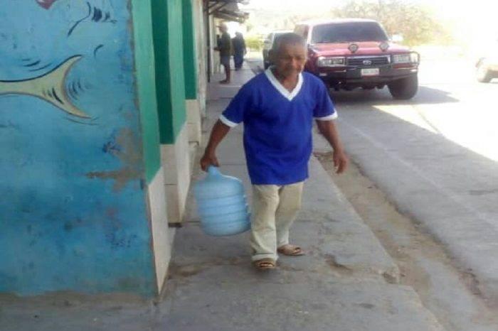 En Araya suspendieron servicio de agua potable desde hace dos meses