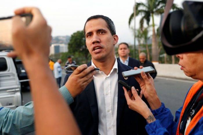 """Guaidó considera que Maduro """"desconfía hasta de quien le sirve el café"""""""