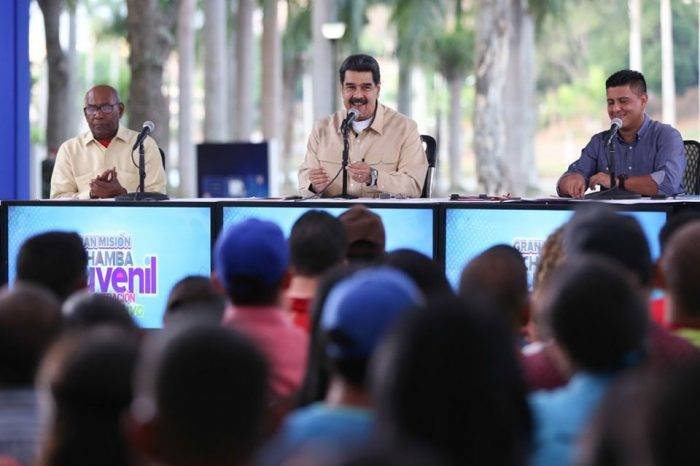 """Maduro asegura que """"cortará cabezas"""" dentro de la administración pública"""