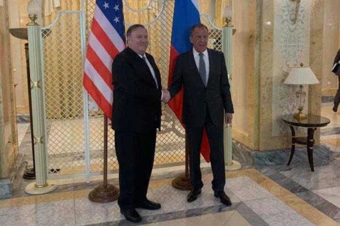 Pompeo le dice a Rusia que deje de apoyar a Maduro y Moscú apuesta por el diálogo