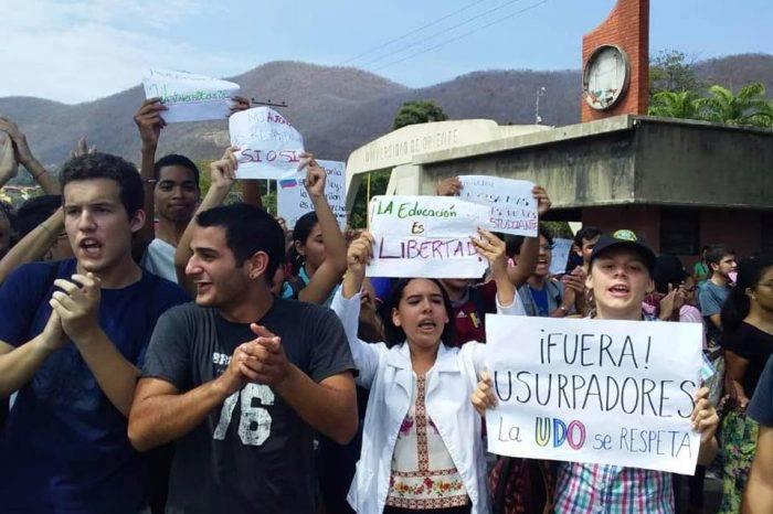Estudiantes de la UDO protestaron ante toma ilegal de la sede en Cumaná