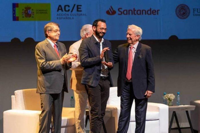 Escritor venezolano Rodrigo Blanco Calderón ganó la III Bienal Vargas Llosa