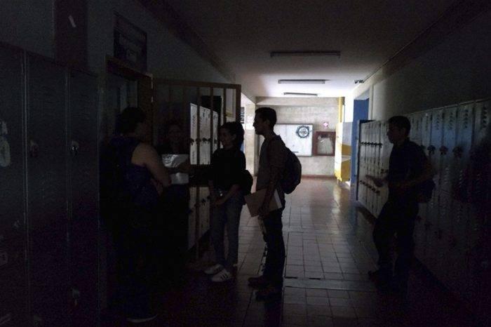 En Táchira los apagones son permanentes