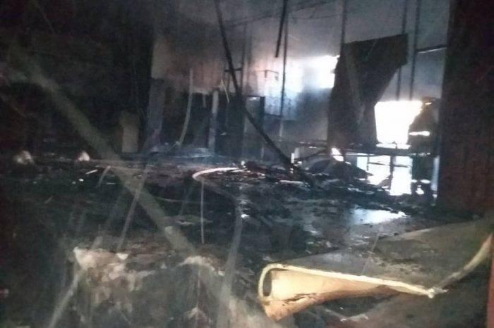 Denuncian que auditorio de la UDO-Sucre fue incendiado por supuestos oficialistas