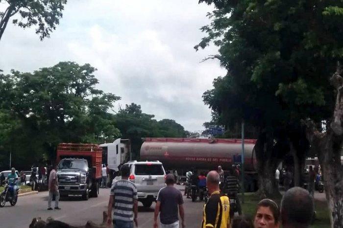 GN arremetió contra tachirenses que retenían gandola para exigir despacho de gasolina