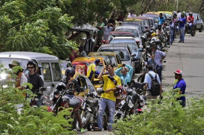 Escasez de combustible colapsa gasolineras de Cúcuta