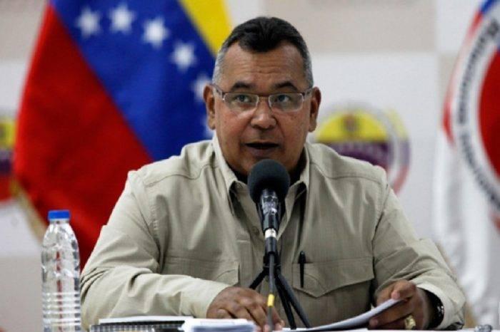 Reverol dice que llegaron 240 mil barriles de gasolina para paliar escasez en Zulia