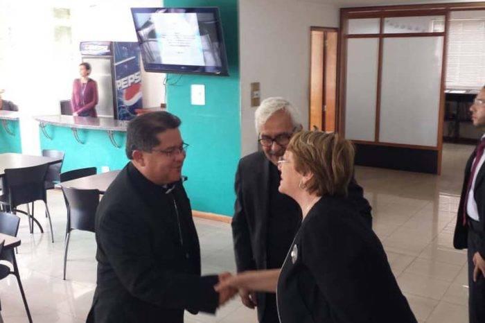 """CEV en informe a Bachelet: """"Se está menospreciando la dignidad de la persona humana"""""""