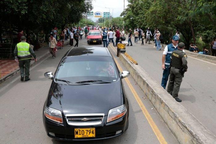 Vehículos venezolanos en zonas fronterizas de Colombia deberán incluirse en un registro