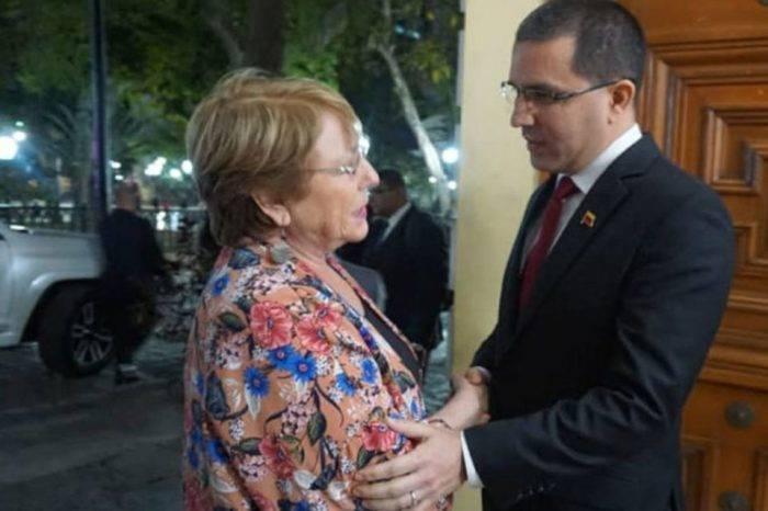 Estas son las primeras mentiras que escuchó Bachelet a su llegada a Caracas