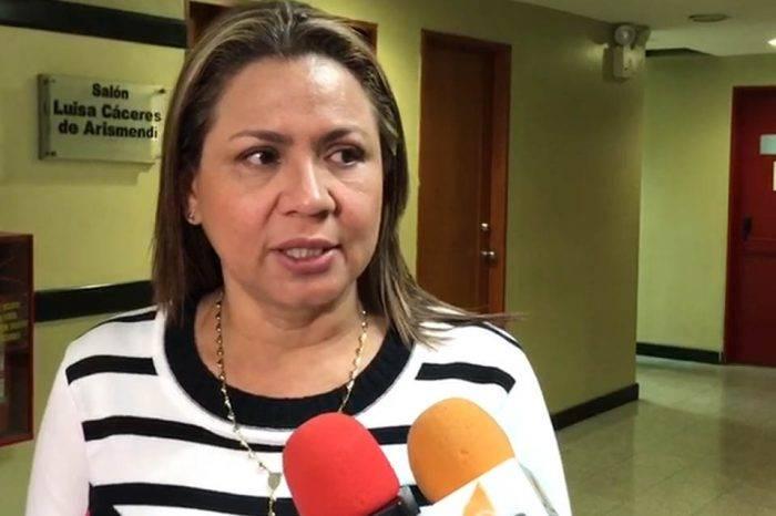 """Diputada denuncia que """"sembraron"""" balas en oficina de Comisión de Política Interior"""