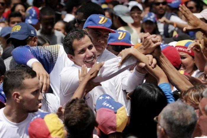 Guaidó solicitará a Chile facilitar el ingreso de migrantes venezolanos