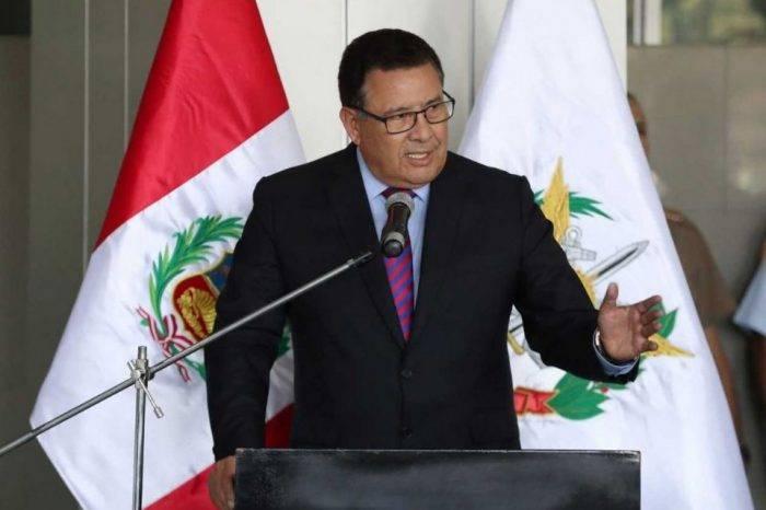 Muere Ministro de Defensa de Perú durante una visita al Amazonas