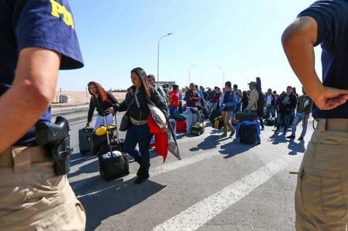 Llegaron a Santiago 140 venezolanos que estaban varados en la frontera con Perú
