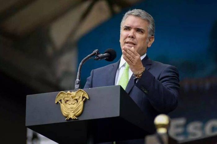 Iván Duque da luz verde a la nacionalización de hijos de venezolanos nacidos en Colombia