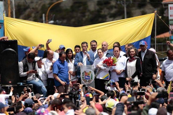 """Guaidó desde Mérida: """"Si deciden atornillarse en el poder, será por las malas"""""""