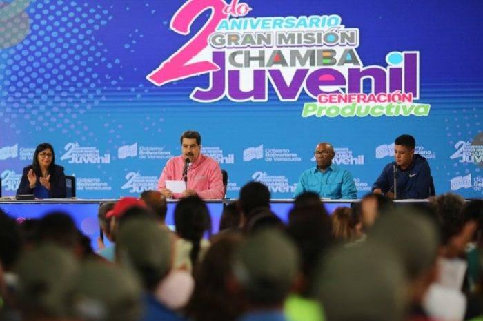 Patadas de ahogado del petro recaen en Plan Chamba Juvenil por orden de Maduro