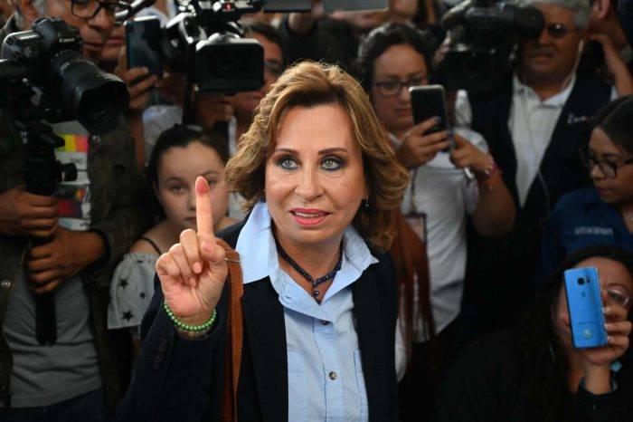 Sandra Torres gana primera vuelta de elecciones en Guatemala