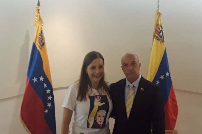 "Simonovis reveló que desde enero planeó con Leopoldo López la ""Operación Libertad"""