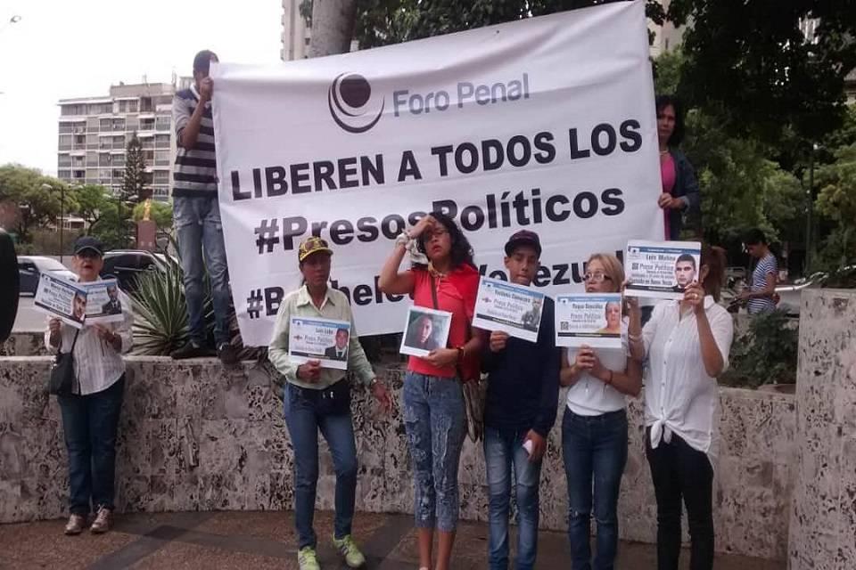 presos políticos Leonard Hinojosa