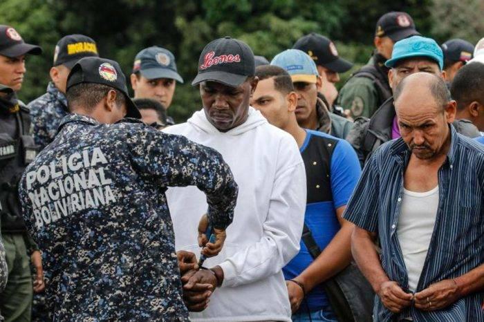 Colombianos deportados aseguran que estuvieron secuestrados tres años en Venezuela
