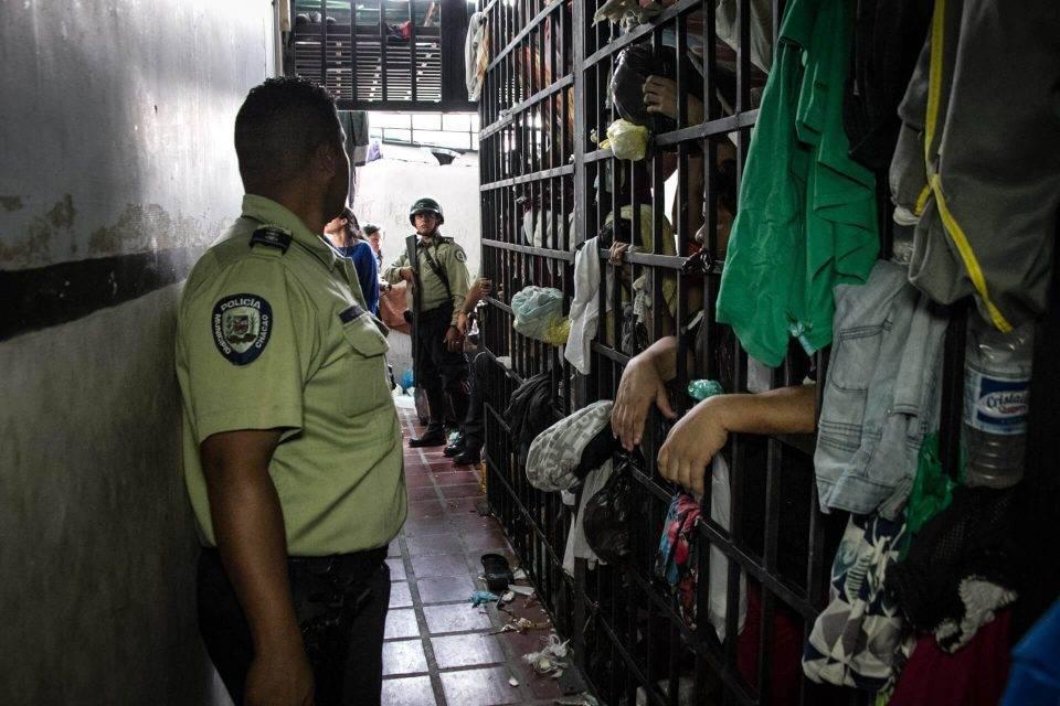 Calabozo policial desnutrición